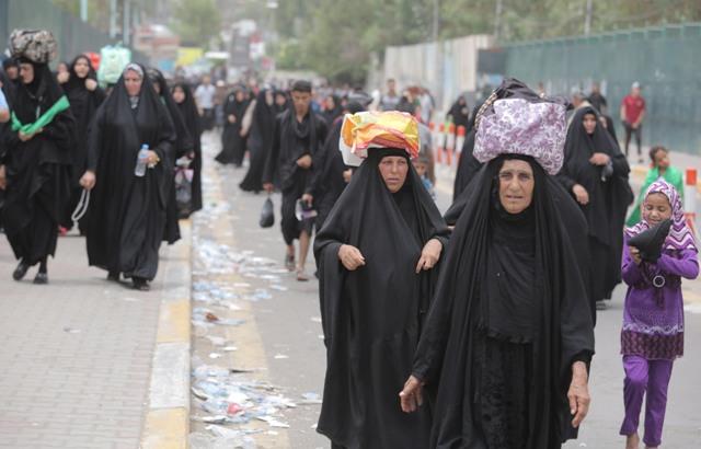 بالصور.. الزحف المليوني والتكافل يتجسدان في زيارة الإمام الكاظم (عليه السلام)