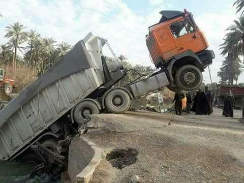 بالصور.. انهيار جسر على نهر بسبب شاحنة شمال شرق بعقوبة 636529347405830666-1