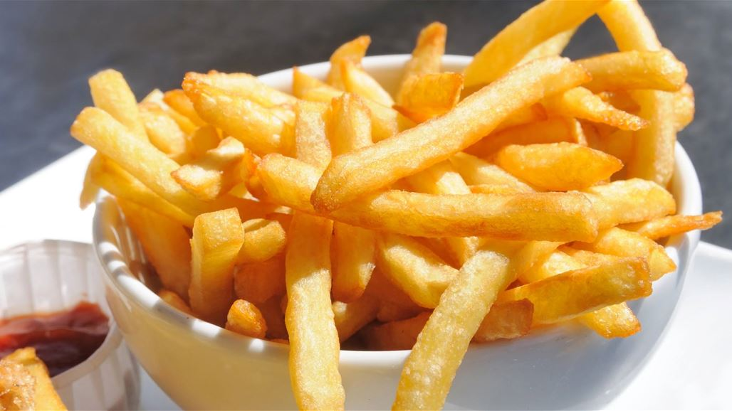 طريقة مفيدة لتحويل البطاطا المقلية إلى طبقٍ صحي