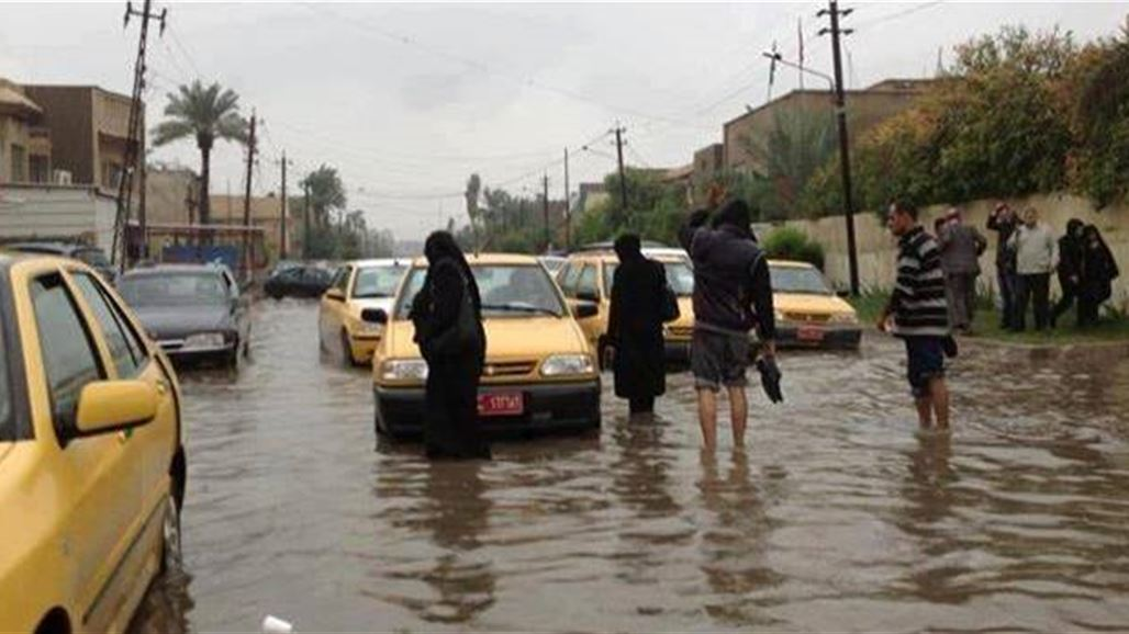 بغداد تغرق بالأمطار من جديد وأهلها في خوف من الكوارث مع الدعاء والتضرع  إلى الله
