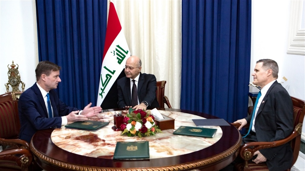 Saleh assures an American official the importance of international support for Iraq and the completion of the victory against terrorism Doc-P-328821-637123625628928609
