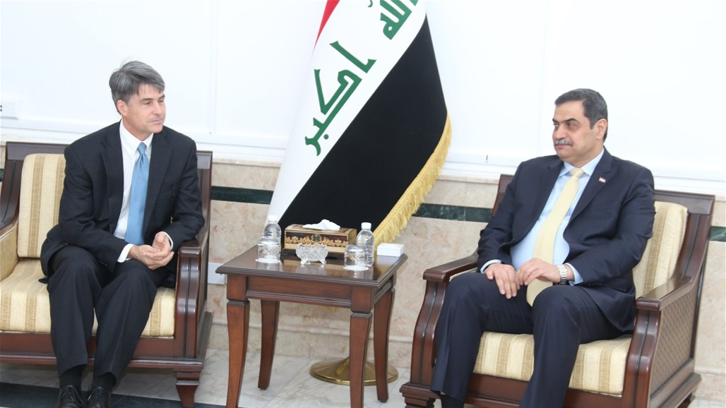 The Iraqi Prime Minister discusses with David Hill the strategic partnership Doc-P-329239-637126214259151281
