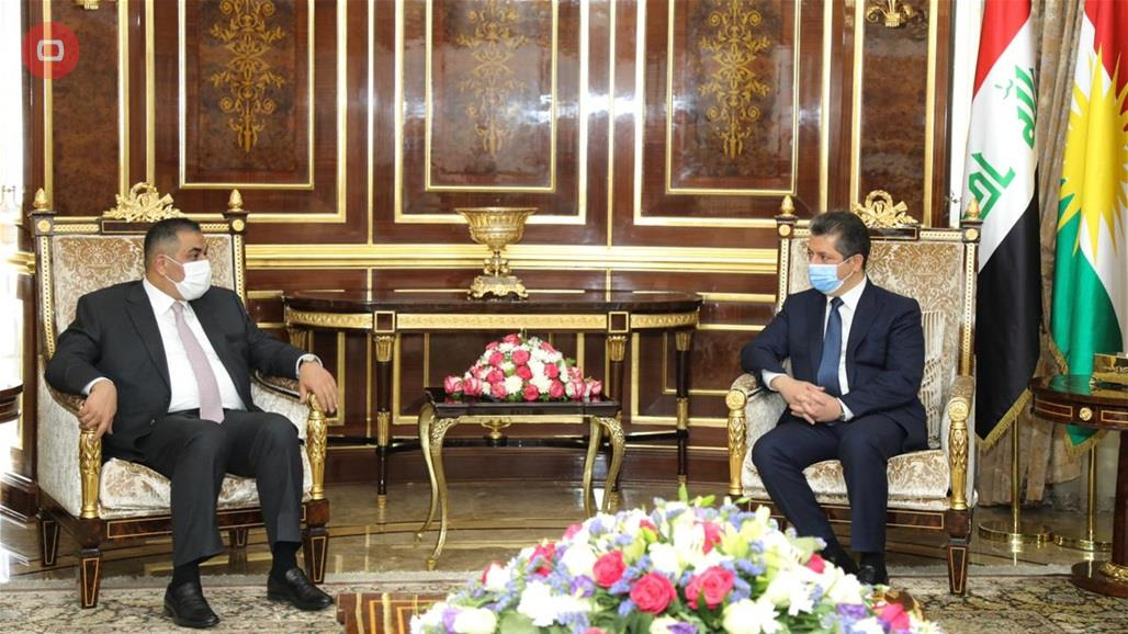 Barzani and the Governor of the Central Bank discuss regulating the banking sector and combating money laundering