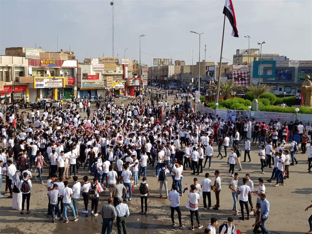 #العراق_ينتفض ..الان الشعب يزحف على ساحة النسور وقطع طريق 14 رمضان عند سيد الحليب ومنع التجوال في جتوب العراق