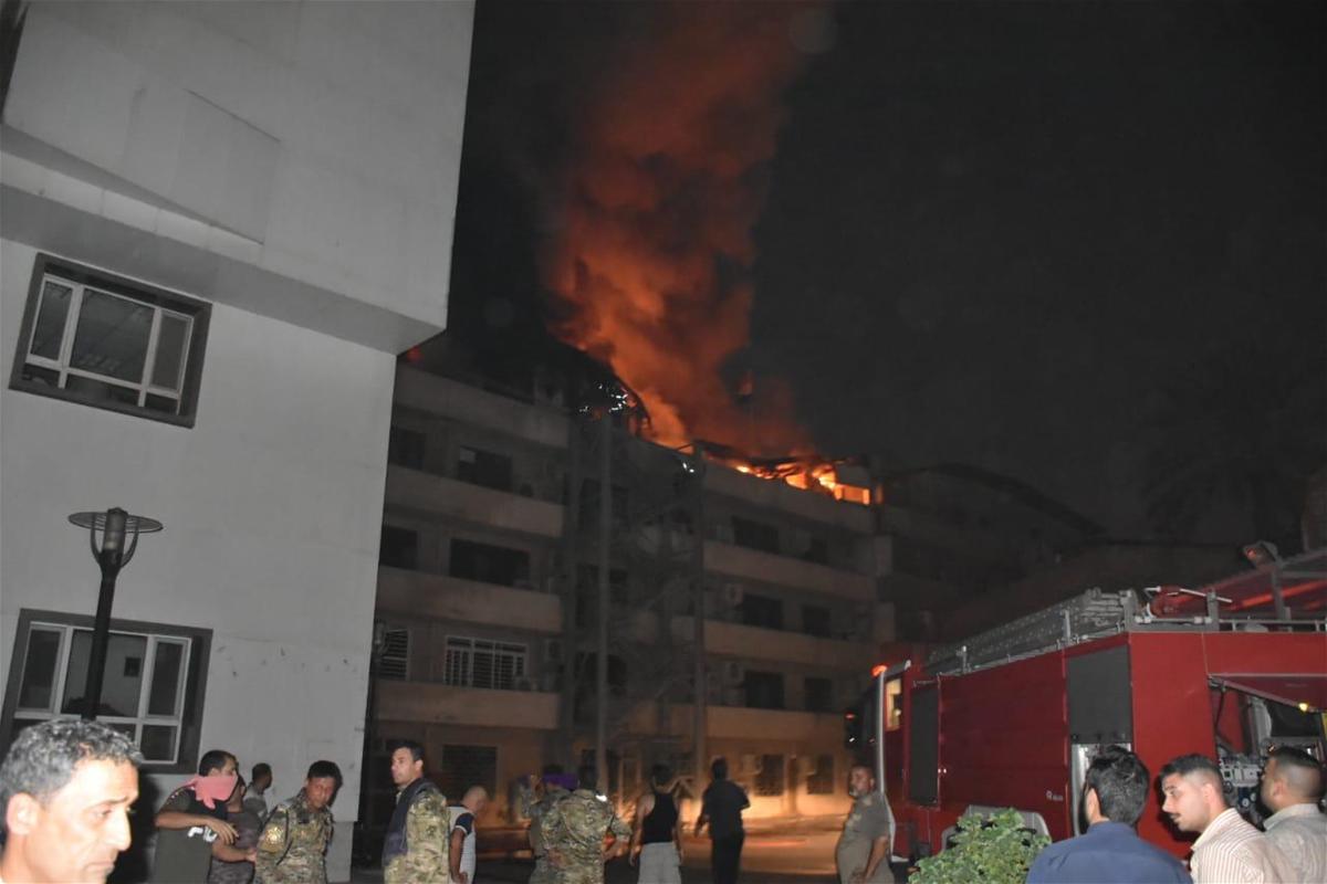 بعد نشر تقرير برلماني يدينها!مؤسسة السجناء في الجادرية وسط بغداد تحترق الآن