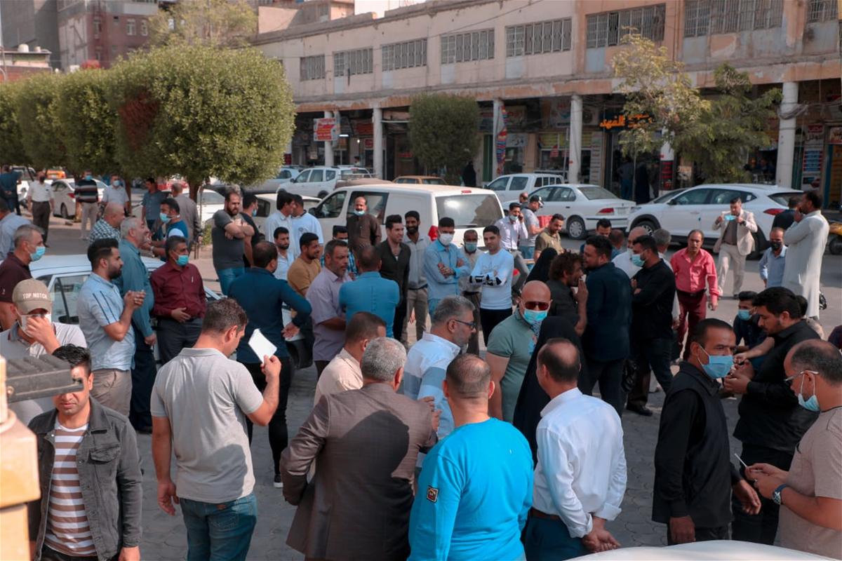 موظفوا بلدية كربلاء يحتجون على تاخر رواتبهم