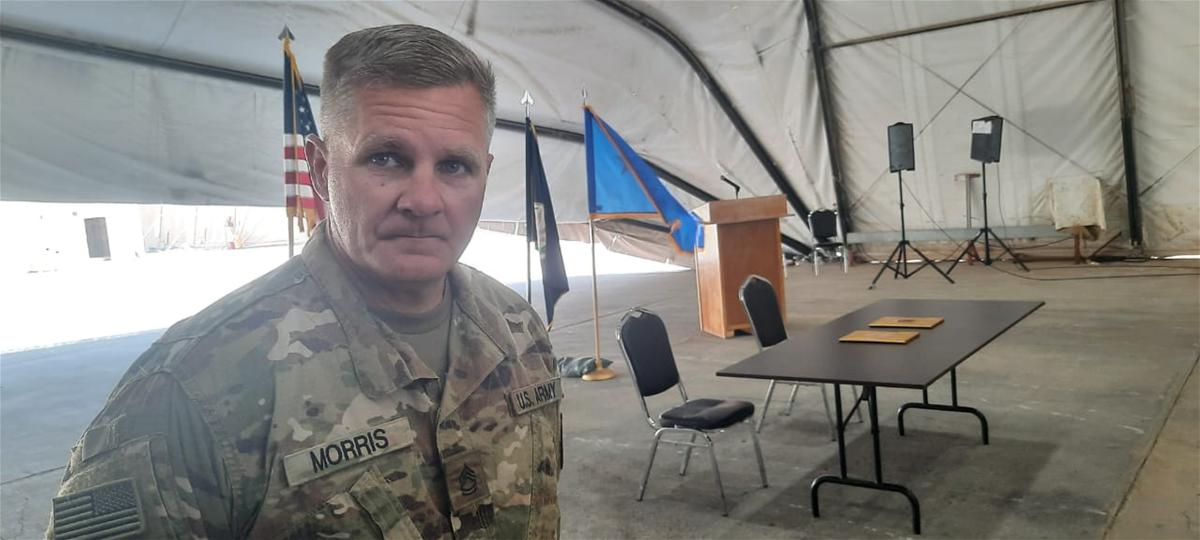 معقولة يقصفون بالصواريخ وهم تحت هذه الخيمة ؟ويسلّم الموقع رقم 8 في معسكر التاجي ومنع قنوات العالم والعهد والنجباء