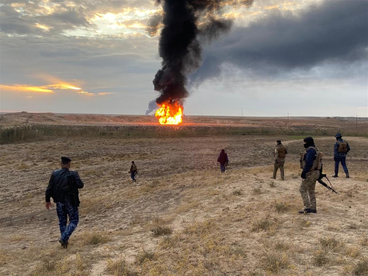 داعش الارهابي شن هجوما على الجيش في الانبار وقتل واصاب 7